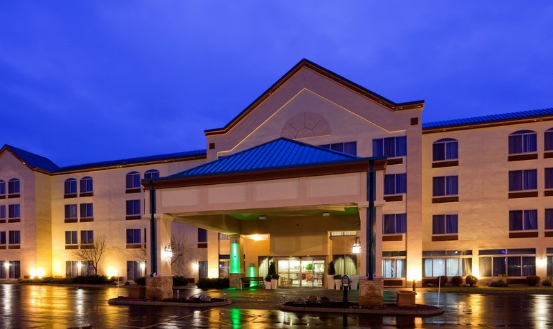 Holiday Inn Hotel & Suites Wausau-Rothschild-Hotel Exterior<br/>Image from Leonardo