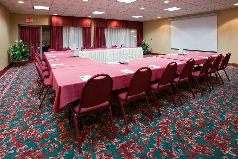 Holiday Inn Hotel & Suites Wausau-Rothschild-Meeting Room<br/>Image from Leonardo