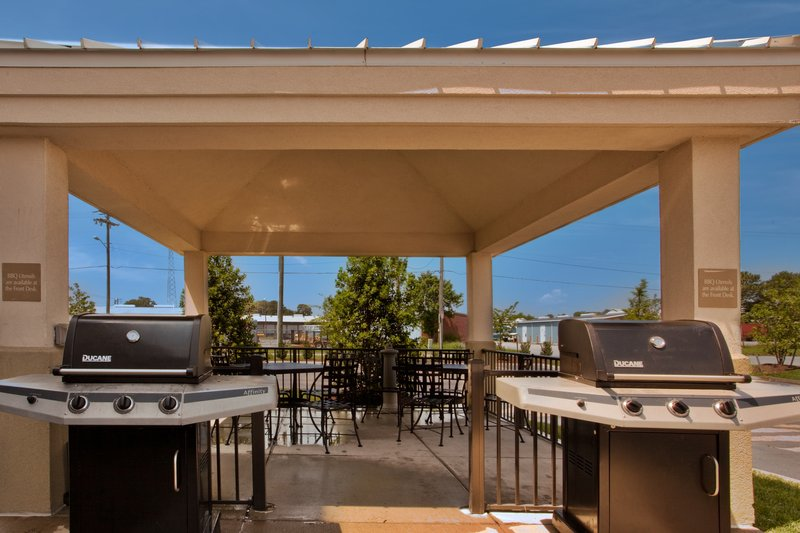 Candlewood Suites Norfolk Airport-Guest Patio<br/>Image from Leonardo