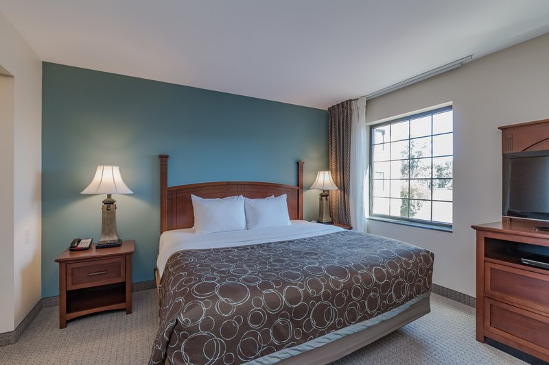 Staybridge Suites South Bend-University Area-Guest Room<br/>Image from Leonardo