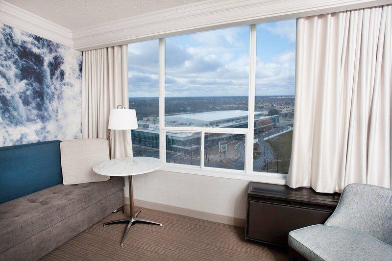 Marriott Niagara Falls on the Falls-City View Gust Room - Sitting Area<br/>Image from Leonardo
