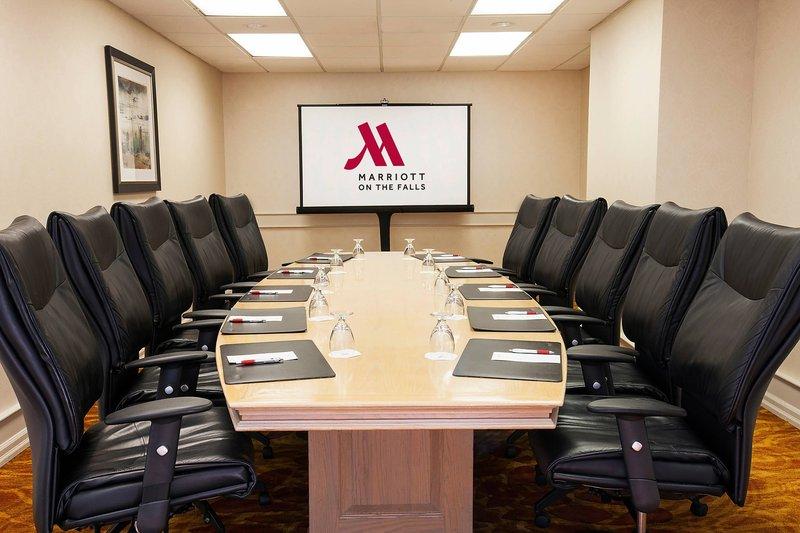 Marriott Niagara Falls on the Falls-Executive Boardroom<br/>Image from Leonardo