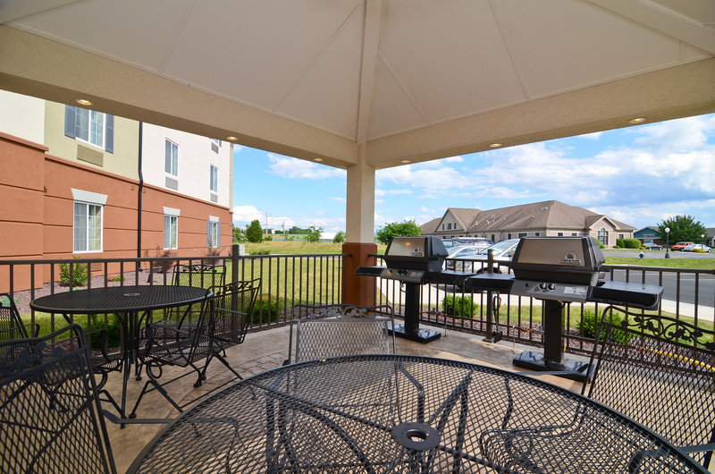 Candlewood Suites Chambersburg-Courtyard<br/>Image from Leonardo