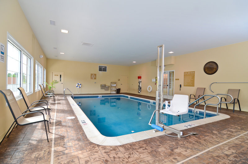 Candlewood Suites Chambersburg-Indoor Pool and Jacuzzi<br/>Image from Leonardo