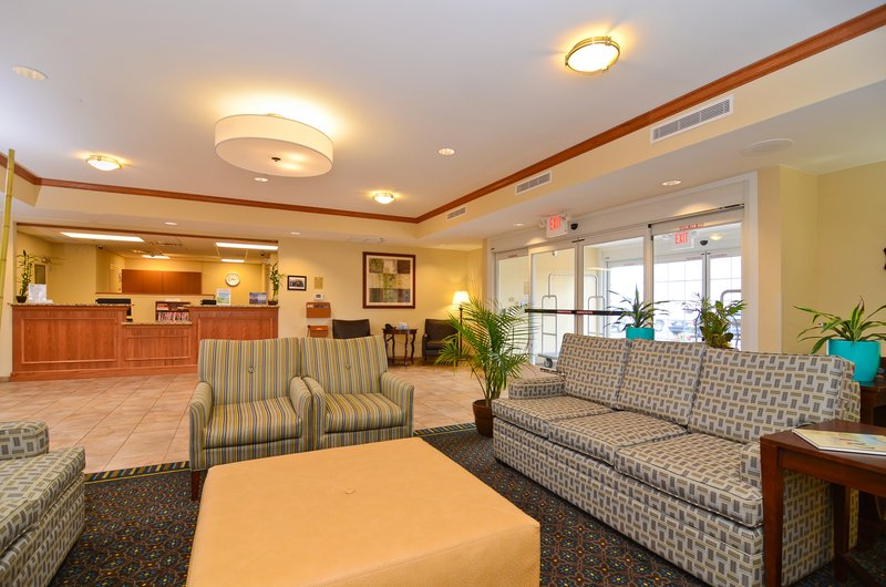 Candlewood Suites Chambersburg-Lobby Seating area<br/>Image from Leonardo