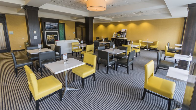 Holiday Inn Express & Suites Thunder Bay-Guest Lounge<br/>Image from Leonardo