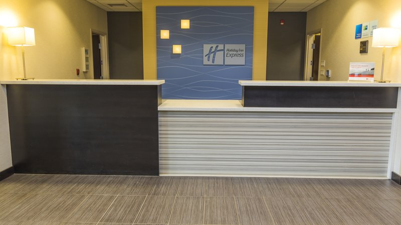 Holiday Inn Express & Suites Thunder Bay-Front Desk<br/>Image from Leonardo