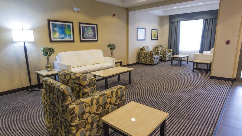 Holiday Inn Express & Suites Thunder Bay-Hotel Lobby<br/>Image from Leonardo