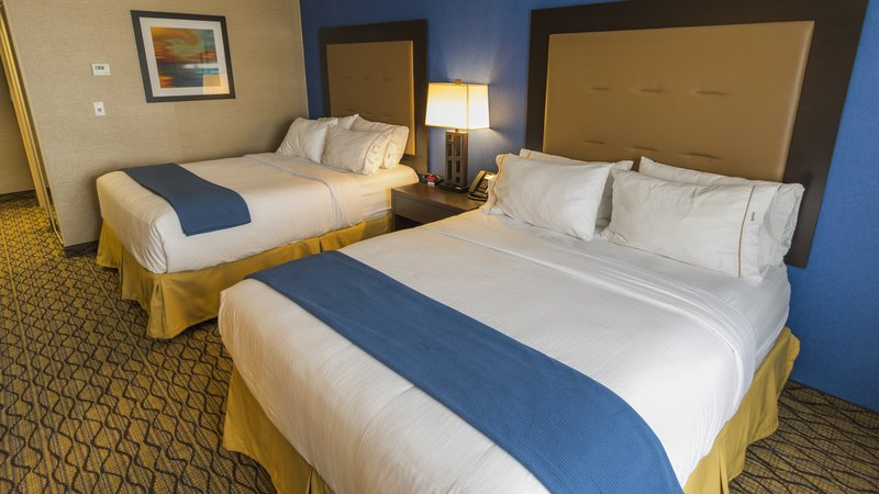 Holiday Inn Express & Suites Thunder Bay-Queen Bed Guest Room<br/>Image from Leonardo