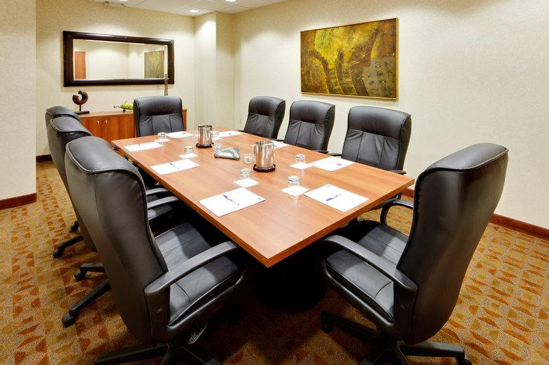 Holiday Inn Express & Suites Long Island-East End-Holiday Inn Express East End, Riverhead, NY - Executive Boardroom<br/>Image from Leonardo