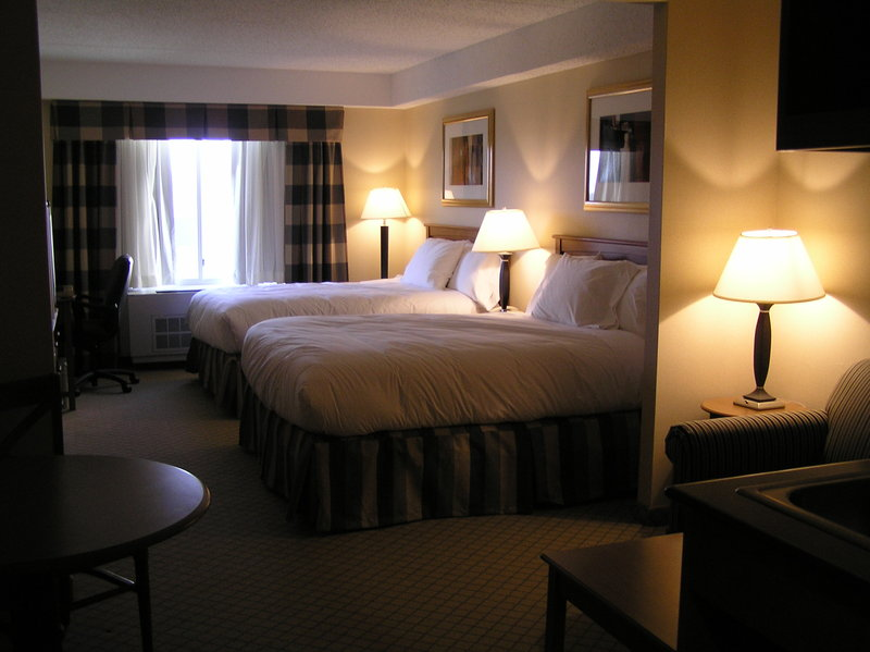 Holiday Inn Express & Suites Long Island-East End-Holiday Inn Express East End, Riverhead NY - Double Queen Suite<br/>Image from Leonardo