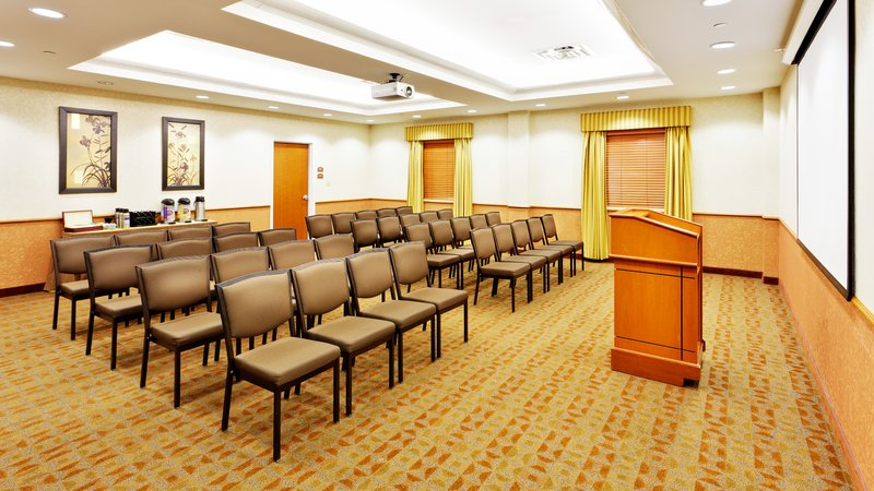 Holiday Inn Express & Suites Long Island-East End-Meeting Room<br/>Image from Leonardo