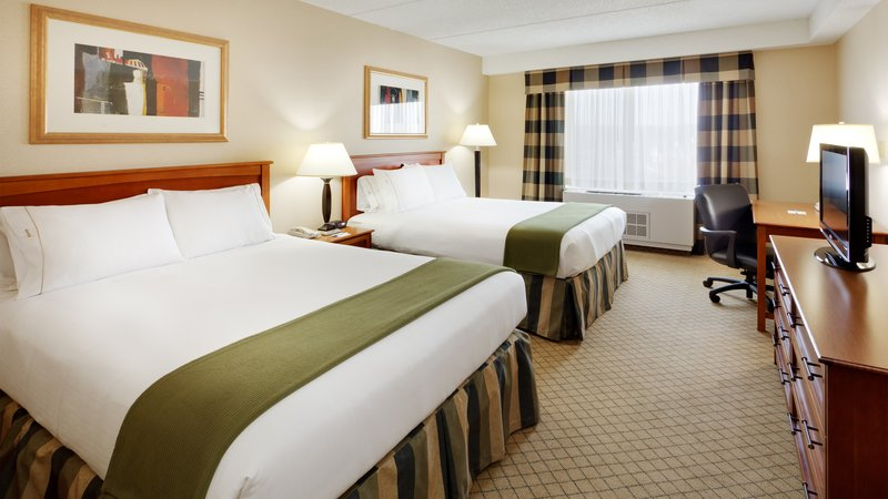 Holiday Inn Express & Suites Long Island-East End-Guest Room<br/>Image from Leonardo