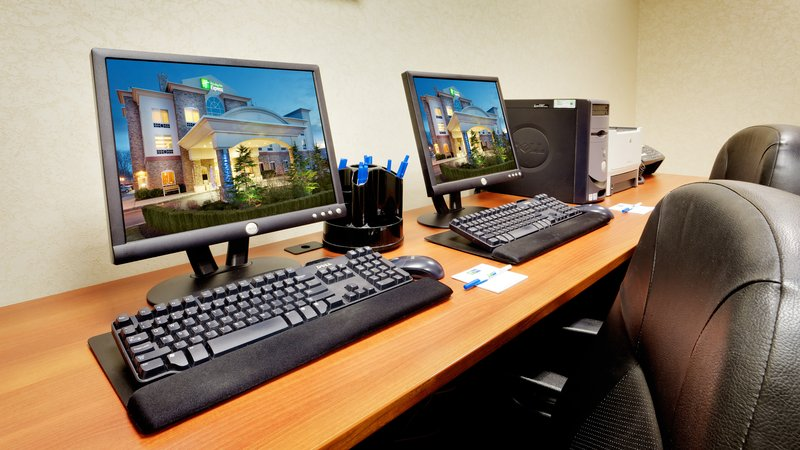 Holiday Inn Express & Suites Long Island-East End-Business Center<br/>Image from Leonardo