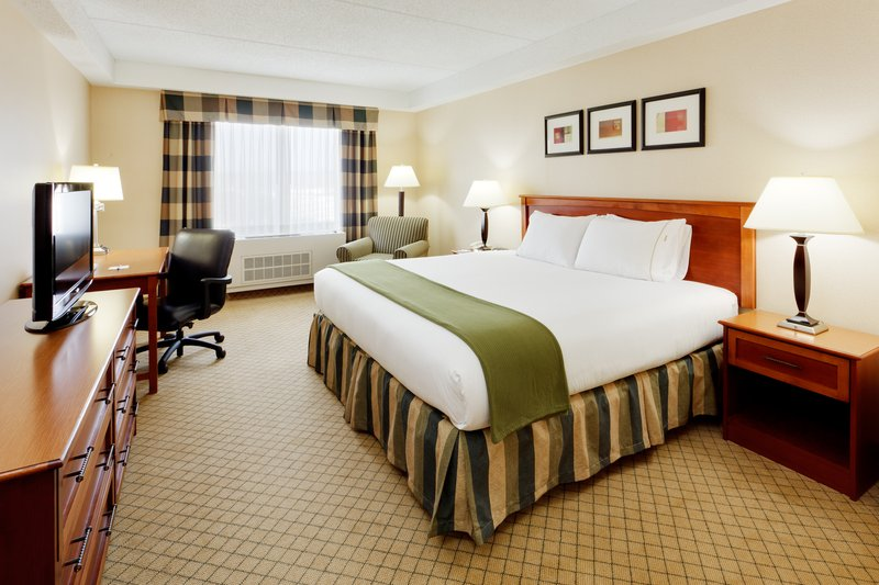 Holiday Inn Express & Suites Long Island-East End-Holiday Inn Express East End, Riverhead, NY - King Guest Room<br/>Image from Leonardo