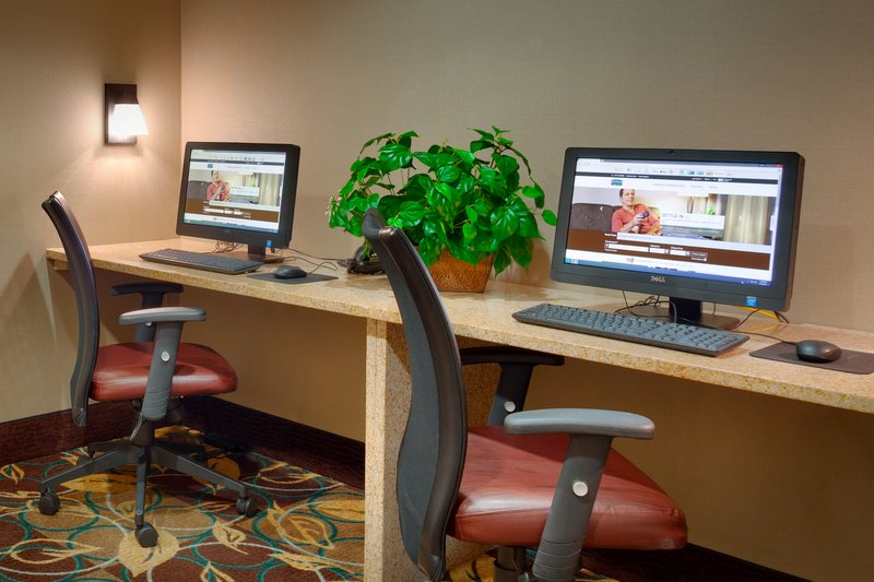 Staybridge Suites Peoria-Downtown-Print, work, or just surf in our complimentary business center<br/>Image from Leonardo