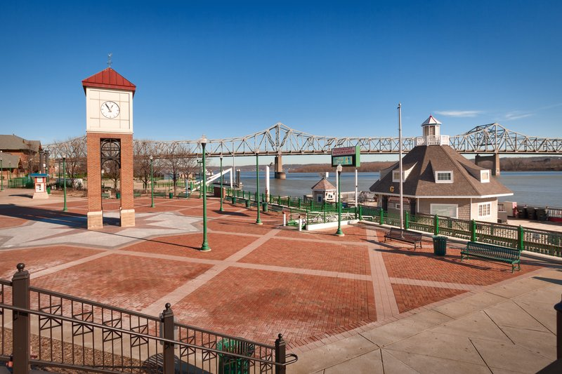 Staybridge Suites Peoria-Downtown-Illinois Riverfront offers great dining and better views<br/>Image from Leonardo