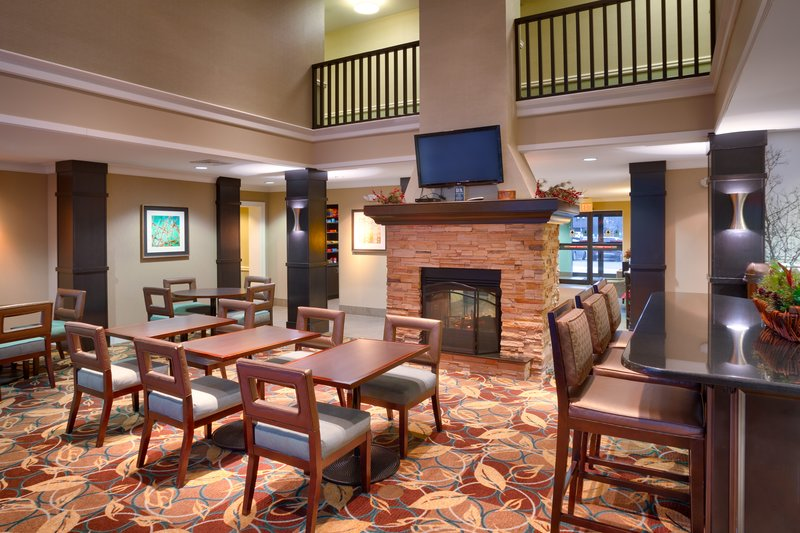 Staybridge Suites Peoria-Downtown-Relax or get things done in our welcoming lobby<br/>Image from Leonardo