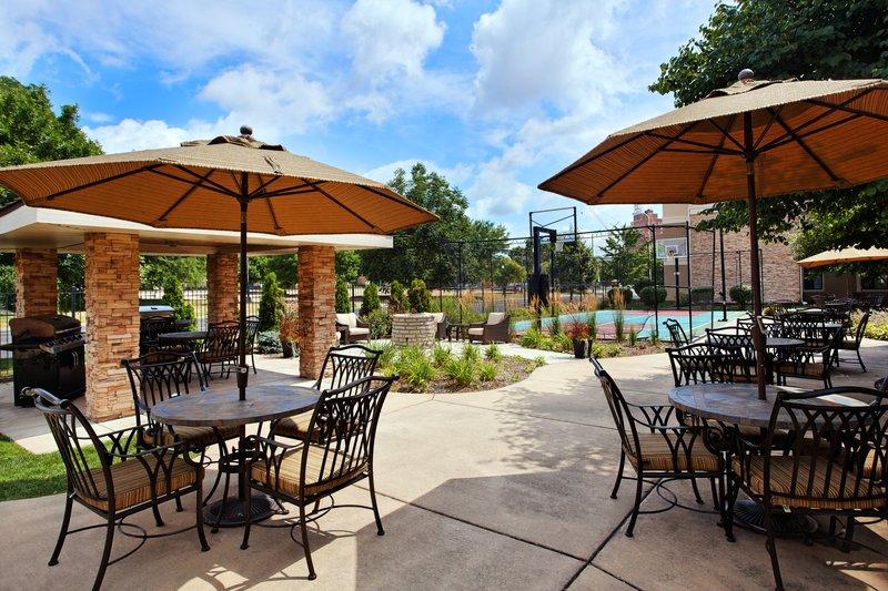 Staybridge Suites Peoria-Downtown-Courtyard<br/>Image from Leonardo