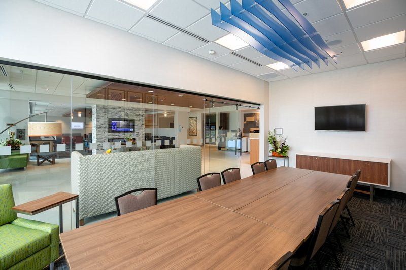 Holiday Inn Express Lethbridge Southeast-Boardroom<br/>Image from Leonardo