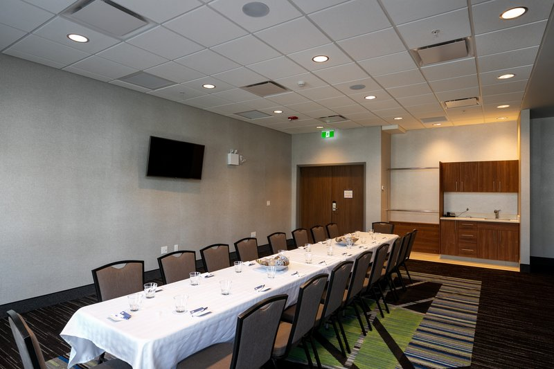 Holiday Inn Express Lethbridge Southeast-Chinook Room<br/>Image from Leonardo