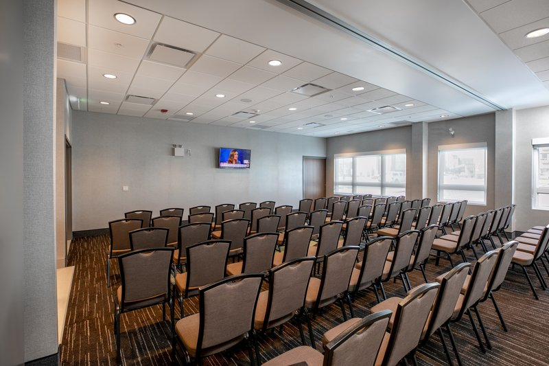 Holiday Inn Express Lethbridge Southeast-Chinook and Coulee Rooms Combined<br/>Image from Leonardo