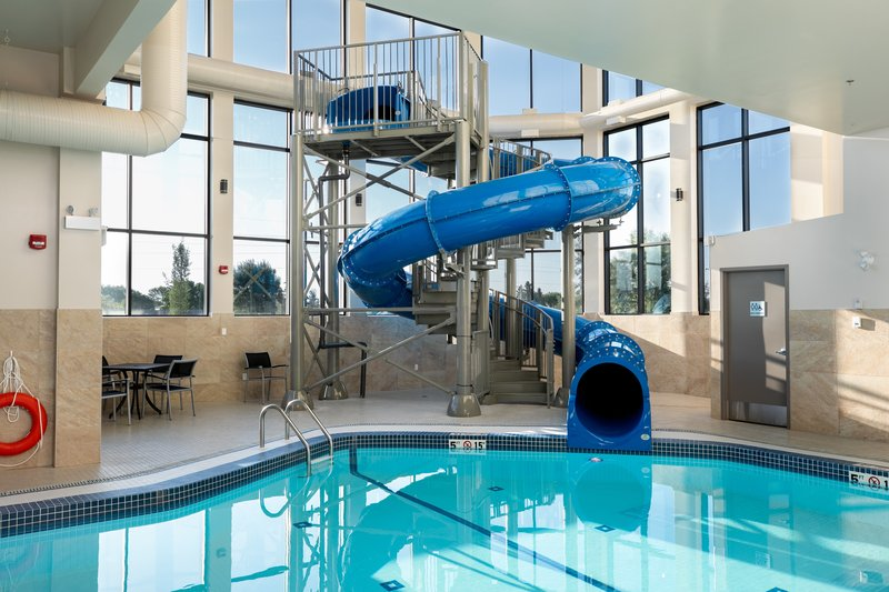 Holiday Inn Express Lethbridge Southeast-Swimming Pool<br/>Image from Leonardo