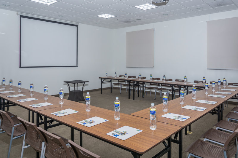 Holiday Inn Express Tegucigalpa-U Conference Setup- San Rafael II<br/>Image from Leonardo