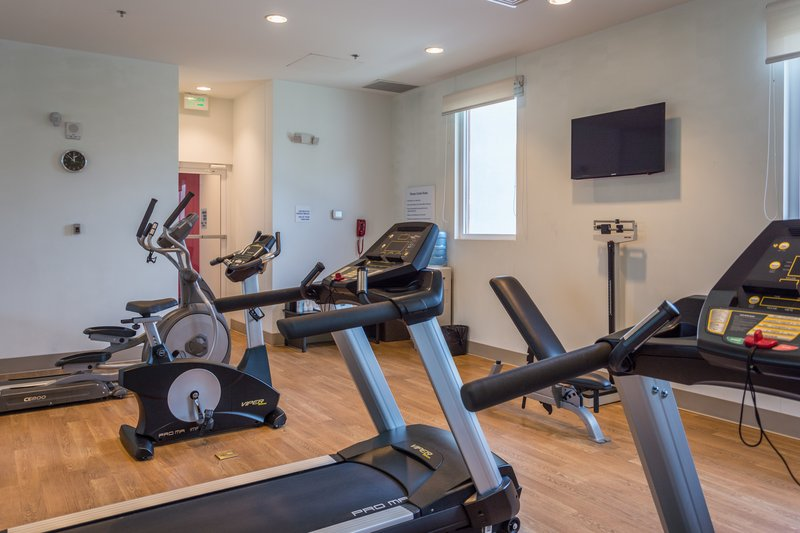 Holiday Inn Express Tegucigalpa-Fitness Center<br/>Image from Leonardo