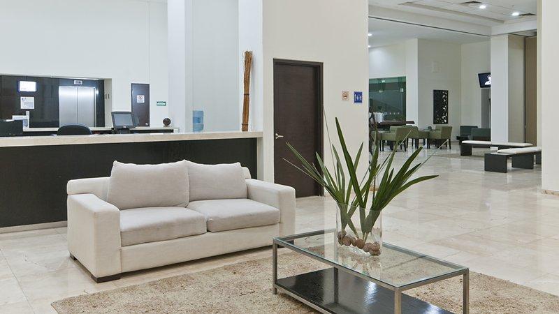 Holiday Inn Express Ciudad Del Carmen-Reception Area<br/>Image from Leonardo