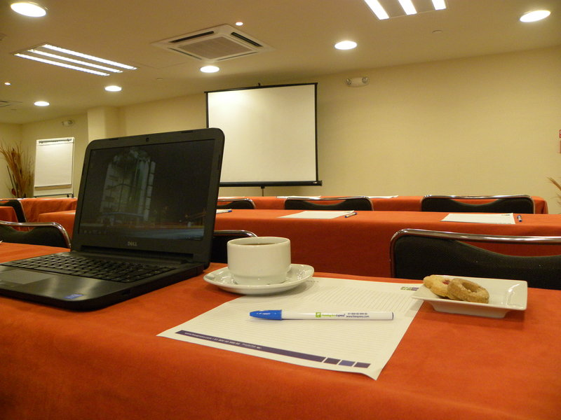 Holiday Inn Express Guadalajara Expo-Conference Room<br/>Image from Leonardo