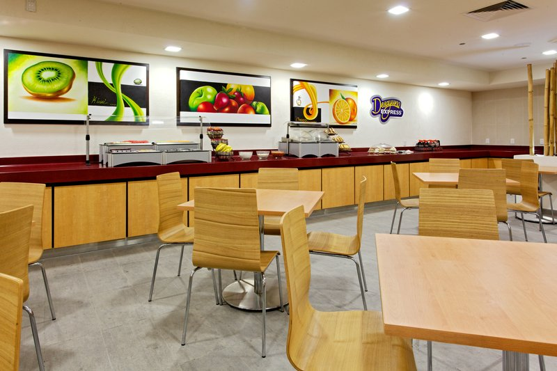 Holiday Inn Express Guadalajara Expo-Breakfast Bar<br/>Image from Leonardo