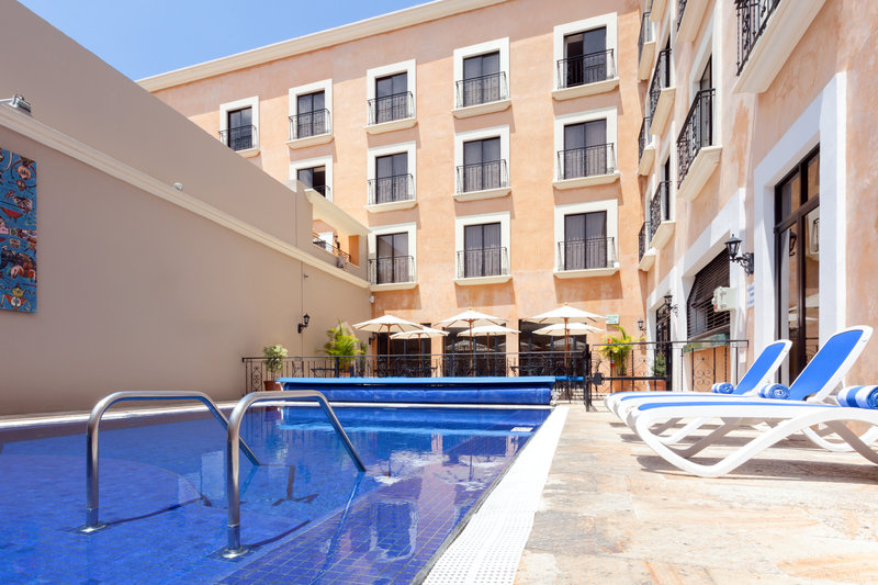 Holiday Inn Express Oaxaca-Centro Historico-Take a dip in our stunning outdoor Pool<br/>Image from Leonardo