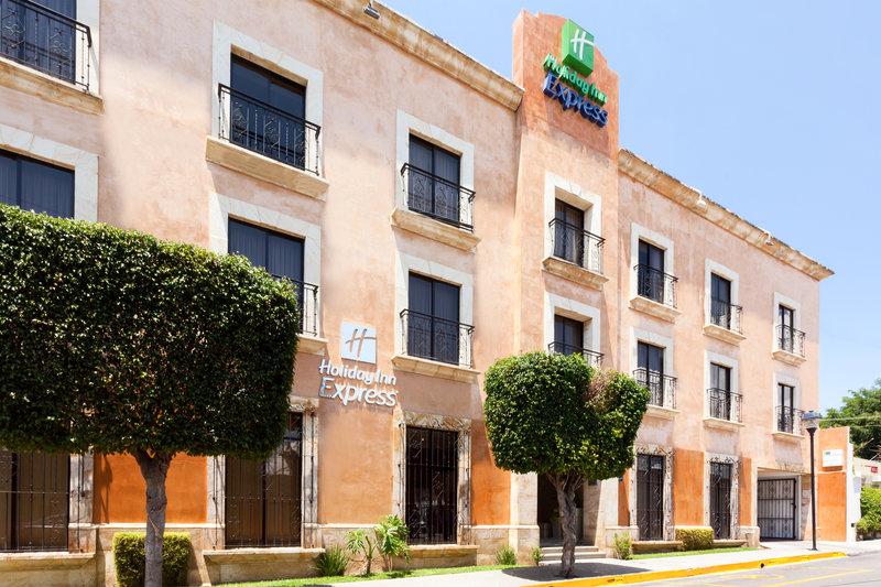 Holiday Inn Express Oaxaca-Centro Historico-Hotel Exterior Day<br/>Image from Leonardo