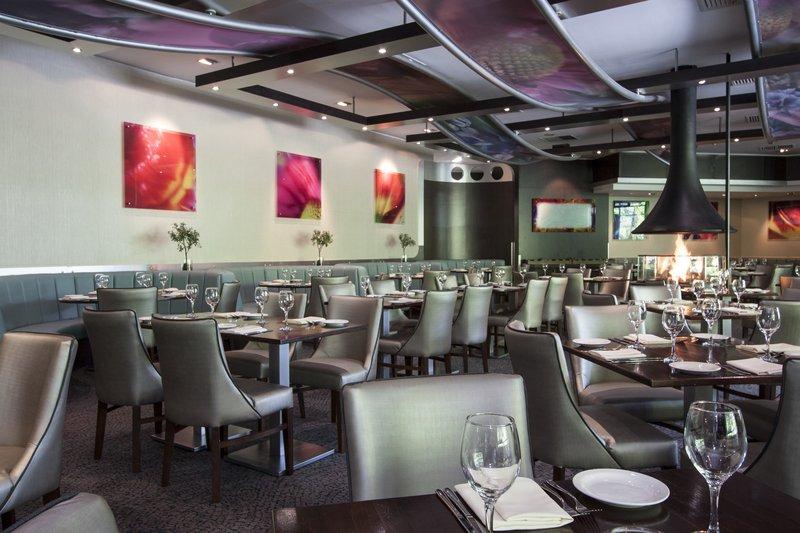 Holiday Inn Telford - Ironbridge-The elegant Olive Tree Restaurant<br/>Image from Leonardo