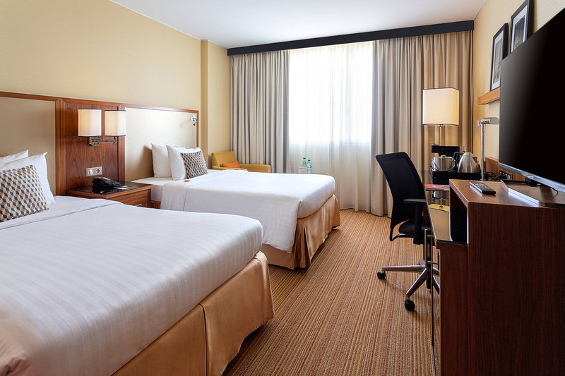 Courtyard Toulouse Airport-Twin/Twin Business Guest Room<br/>Image from Leonardo
