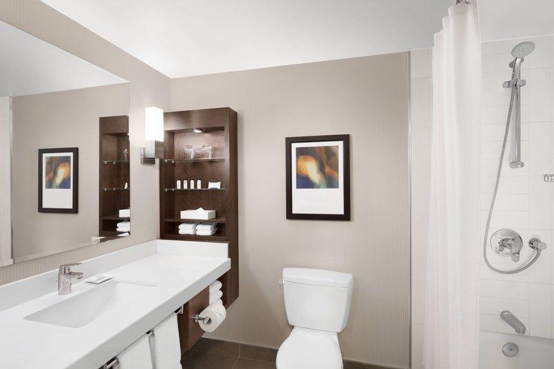 Delta Hotel Calgary South-Standard Bathroom<br/>Image from Leonardo