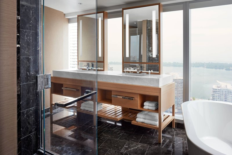 Delta Hotels by Marriott Toronto-Presidential Suite - Guest Bathroom<br/>Image from Leonardo
