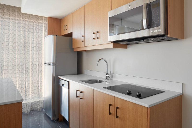 Delta Hotels by Marriott Toronto-One-Bedroom Suite - Kitchen<br/>Image from Leonardo