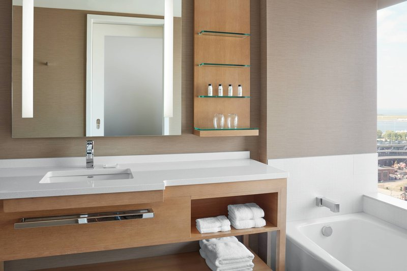 Delta Hotels by Marriott Toronto-Deluxe Junior Suite - Guest Bathroom<br/>Image from Leonardo