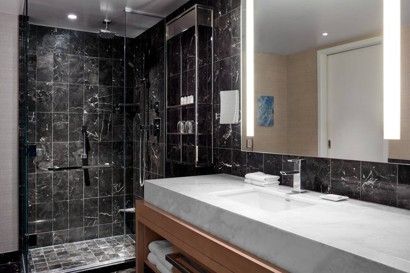 Delta Hotels by Marriott Toronto-Suite Bathroom<br/>Image from Leonardo