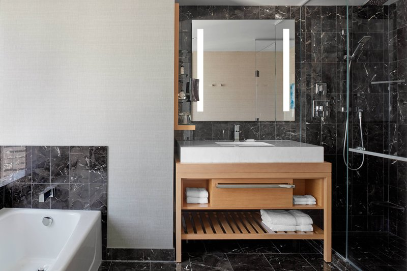 Delta Hotels by Marriott Toronto-Extended-Stay Suite - Guest Bathroom<br/>Image from Leonardo