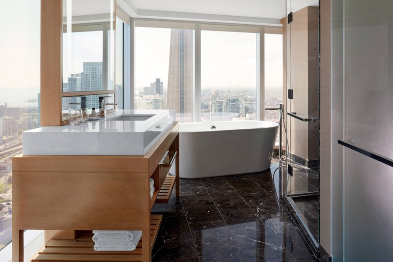 Delta Hotels by Marriott Toronto-Chairman Suite - Guest Bathroom<br/>Image from Leonardo