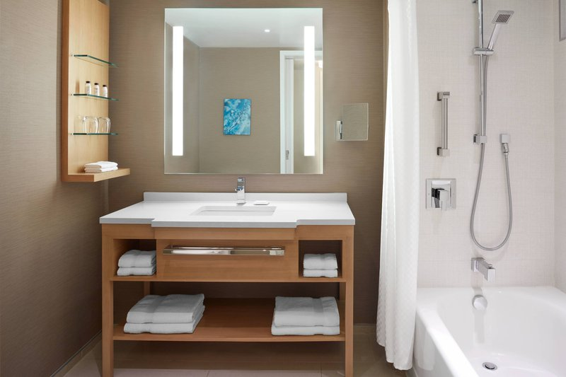 Delta Hotels by Marriott Toronto-City View Guest Room - Guest Bathroom<br/>Image from Leonardo