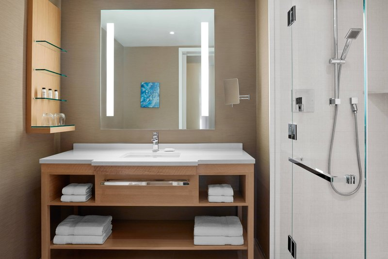Delta Hotels by Marriott Toronto-Corner King Guest Room - Guest Bathroom<br/>Image from Leonardo