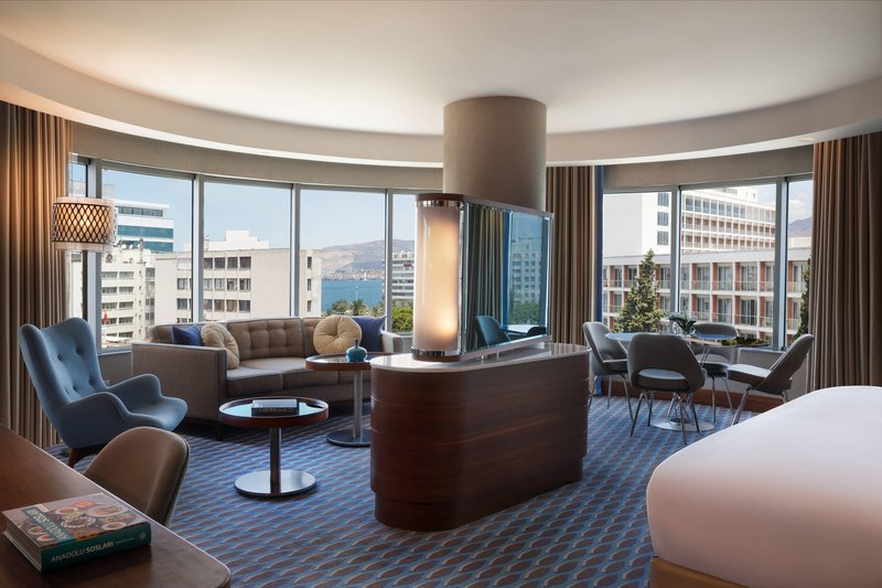 Renaissance Izmir Hotel-Executive Suite<br/>Image from Leonardo