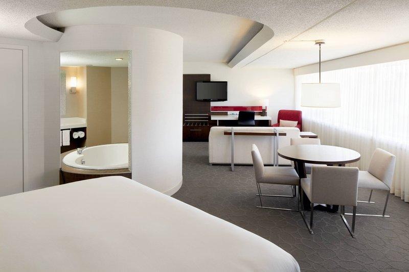 Delta Quebec-Junior Suite<br/>Image from Leonardo