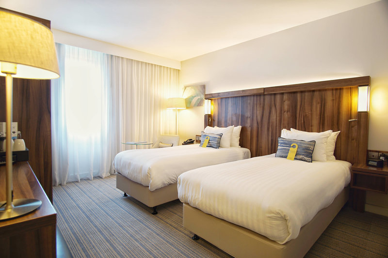 Courtyard Glasgow Airport-Twin/Twin Deluxe Guest Room<br/>Image from Leonardo