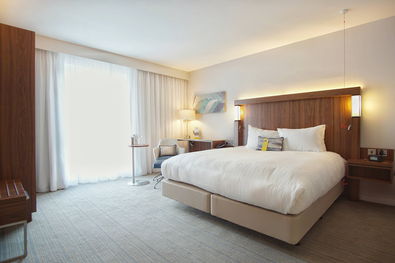 Courtyard Glasgow Airport-Accessible Guest Room<br/>Image from Leonardo
