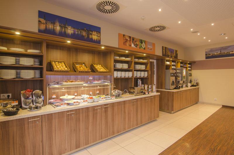 Holiday Inn Express Hamburg - St. Pauli Messe-Restaurant<br/>Image from Leonardo